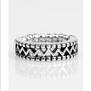 NWT Ring! 🔥all jewelry 4 for $13🔥